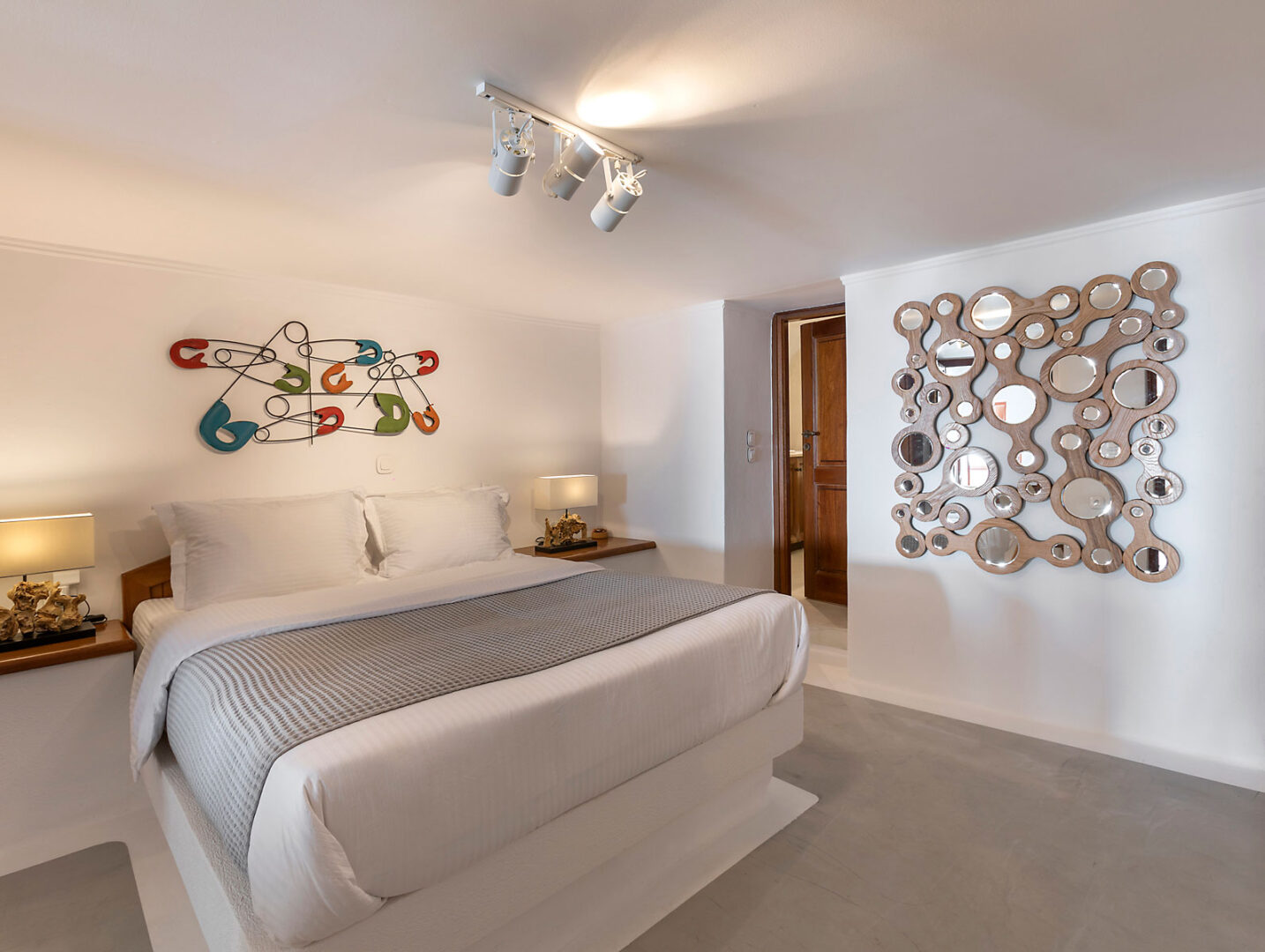 Santorini Caldera bedroom